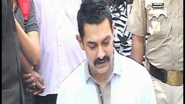 Aamir Khan Celebrates His 46th Birthday Unplugged - Bollywoodhungama.com