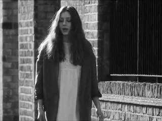 Partitions - People Help the People - Birdy (Accords et