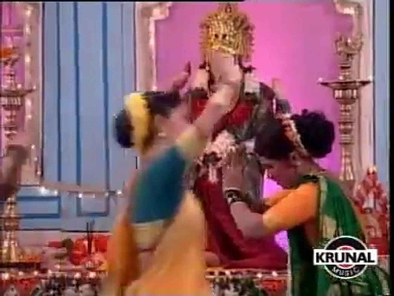 Marathi Song - Sukhi Thev Maza Kunkavacha Dhani - Kalubai Mazi Khelte  Phugadi