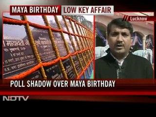 Mayawati slams poll panel for draping of statues