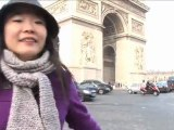 Amazing ! a jet flies under the Arc de Triomphe !