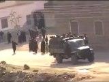 فري برس     درعا حوران إنخل هجوم الجيش على مظاهرة انخل اليوم وتصدي الحرائر للجيش الاسدي 16 1 2012