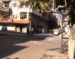فري برس   حمص حي القصور معاناة أهل حي القصور من العبور إلى الجهة المقابلة من الحي بسبب وجود الحاجز واطلاق الرصاص على المارين 16 12 2011