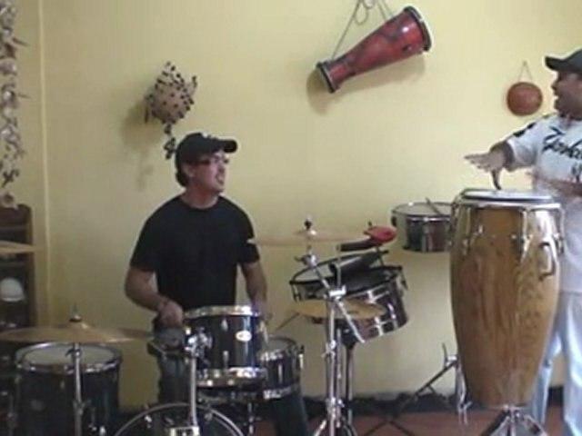 Jiscler y David con la percusión cubana