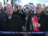 """""""Un peu plus d'effectifs, un peu plus d'établissements pour mineurs délinquants, et une présence dans les quartiers"""", explique François Hollande"""