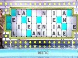 Paloma Lopez con botas en La Ruleta de la Suerte 7-2-2012
