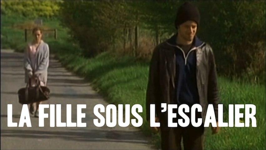 """""""La Fille Sous l'Escalier"""" ESRA"""