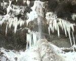 Cascade la Pissarde en hiver d'Allières - Vercors