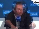 Nicolas Dupont-Aignan invite les internautes français à -télécharger au maximum-