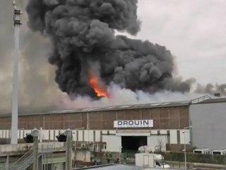 Incendie monstrueux à La Courneuve
