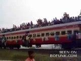 Tren gelir hoş gelir - 1 www.kumanda.org