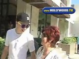 Sharon And Kelly Osbourne Hang Out With Kellys New Boyfriend