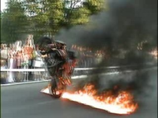 BECMAN KTM STUNT CASCADE MOTO SHOW CLIP
