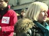 Présidentielle: le PS distribue des roses à Neuilly
