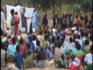 Malawi, Ntcheu, Bilira: Bednet distribution