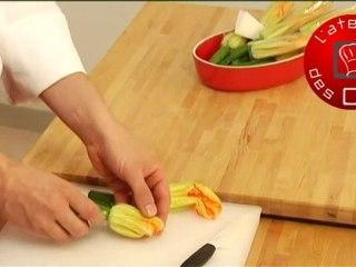 Technique de cuisine : Préparer une fleur de courgette
