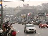 Une chaîne humaine de milliers d'opposants à Moscou