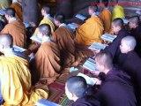 Prière dans une pagode - Voyage au Vietnam, Trekking au Vietnam, Voyage de photo au Vietnam,Séjours au Vietnam, circuit de photo au Vietnam