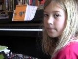 À 10 ans, elle s'amuse avec un MPC