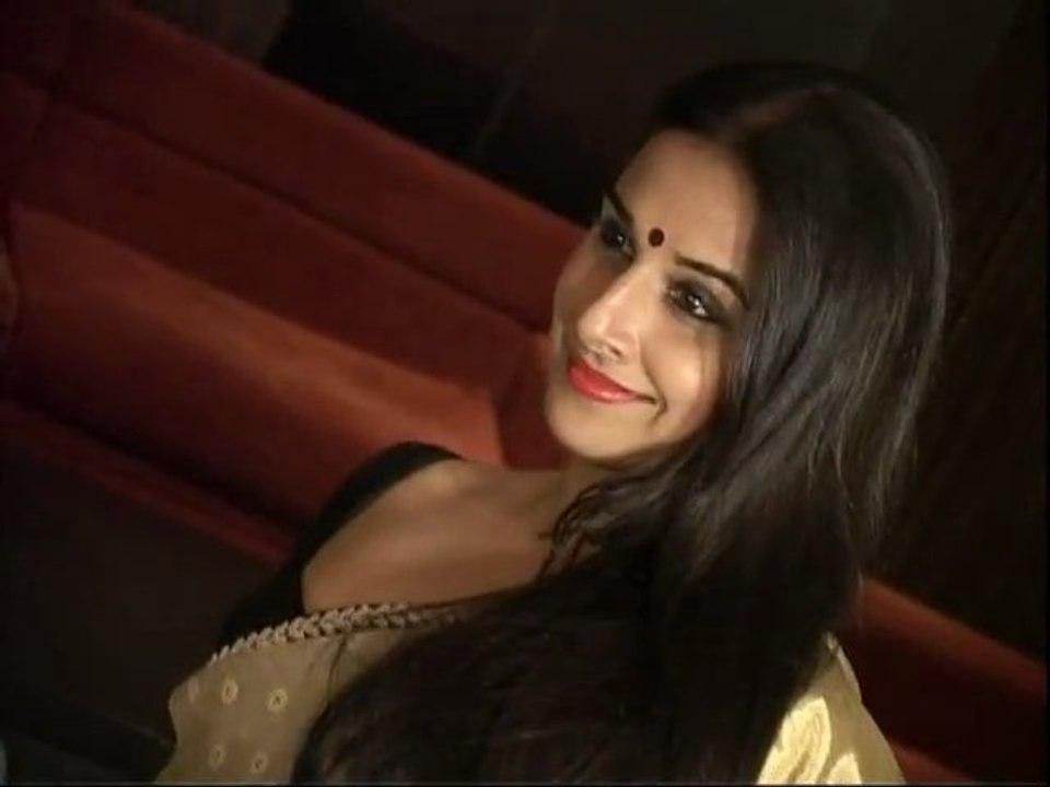 Vidya Balan and NaseerUDin The Dirty Picture - video