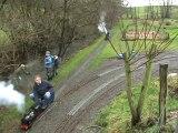 Lokomotiven und spielende Kinder im Huserland