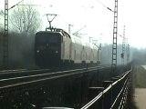 BR185 nach Koblenz und zwei BR143 als Dosto Sandwich nach Bonn   Beuel in Bonn   Beuel Süd