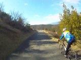 la specialized 2012 (la fin du rocher de sampzon et le debut de la descente)