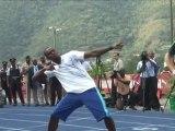 Jamaïque: le prince Harry pique un sprint devant Usain Bolt