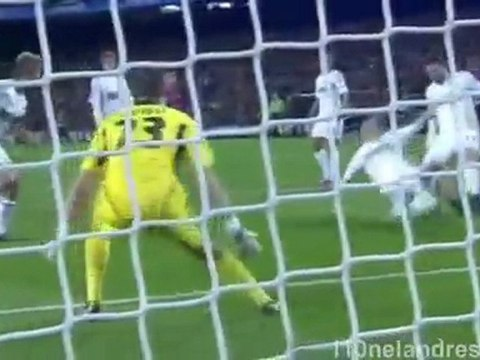 Messi Record breaking 5 goals in Champions League - SportsUnplug.com