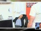 Patrick Cohen et Jérémy Michalak pris en flagrant délit de sieste au bureau