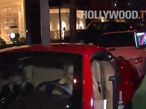 Paris Hilton, Nicky Hilton, Petra Ecclestone, Sophia Bush provocar una pelea en Madeo Ristorante