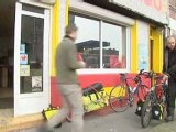 Dieppe : deux journalistes à vélo font leur carnet de campagne
