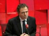 """Luc Chatel, ministre de l'Education nationale : """"La République n'est pas à genoux, elle va retrouver cet assassin"""""""