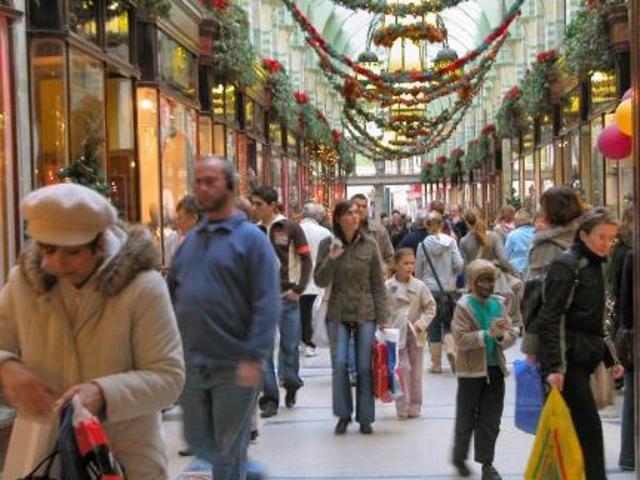 Seasonal Jobs: Hiring to rise for Santa's helpers