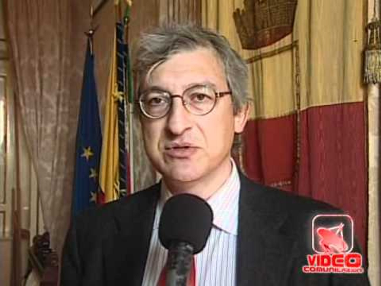 Napoli - Il Comune indicherà distributore di benzina più economico (27.03.12)