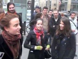 Déboulonneurs 31/03/12, action parisienne anti-pub