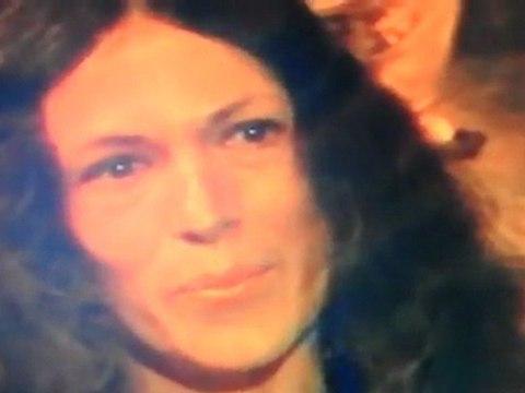 R-sistons vidéo 7. En 1982, eva interviewée par un journaliste-producteur de FR3, 3 mn