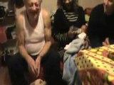 La poetesse Nathy Ebriet sa famille apres la naissance du bebe