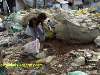 DONORS SEARCH & HELP CHILD SCAVENGERS IN A DUMP, PHILIPPINES