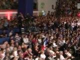 UMP - Ambiance au sein des militants du meeting de Nîmes