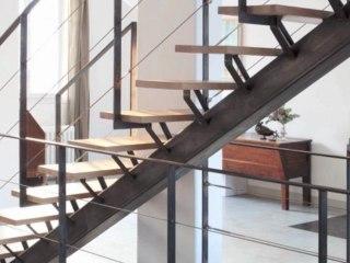 ESCALIERS DECORS - Escalier avec limon central