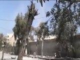 فري برس حمص سقوط القذائف في حي الخالدية با القرب من المصور 10 4 2012
