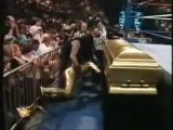 WWE-Universal.Fr - Goldust VS Undertaker (Casket Match - InterContinental Title)