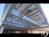 Una casa eco-friendly del deserto del Mojave in California. Realizzata in acciaio è a impatto zero grazie a pannelli solari