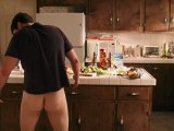 AMERICAN PIE 4 : EXTRAIT 4 VF HD 'Jim Wakes Up Confused In The Kitchen'