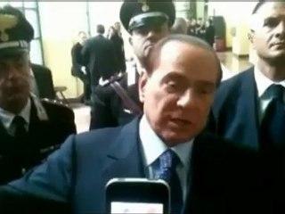"""Berlusconi: """"Mantengo le ragazze rovinate dal processo Ruby"""""""