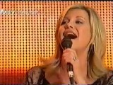 Barry Gibb & Olivia Newton-John - Islands In The Stream (Live) 2009