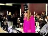 Anna Dello Russo firma glamour per una collezione accessori H&M. Look da vera star con un occhio al portafogli