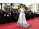 Style Diva Sonam Kapoor To Walk Cannes Red Carpet - Bollywood Babes