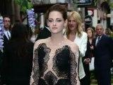 Robert Pattinson Parties With Kristen Stewart
